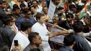 राहुल गांधी दीपावली के बाद संभाल सकते हैं कांग्रेस की कमान.